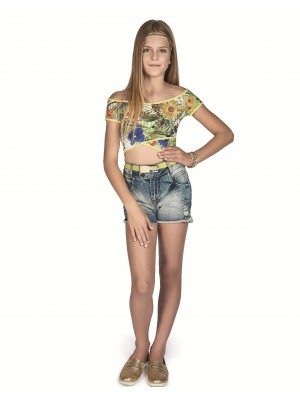 Short Jeans e Blusa Cropped